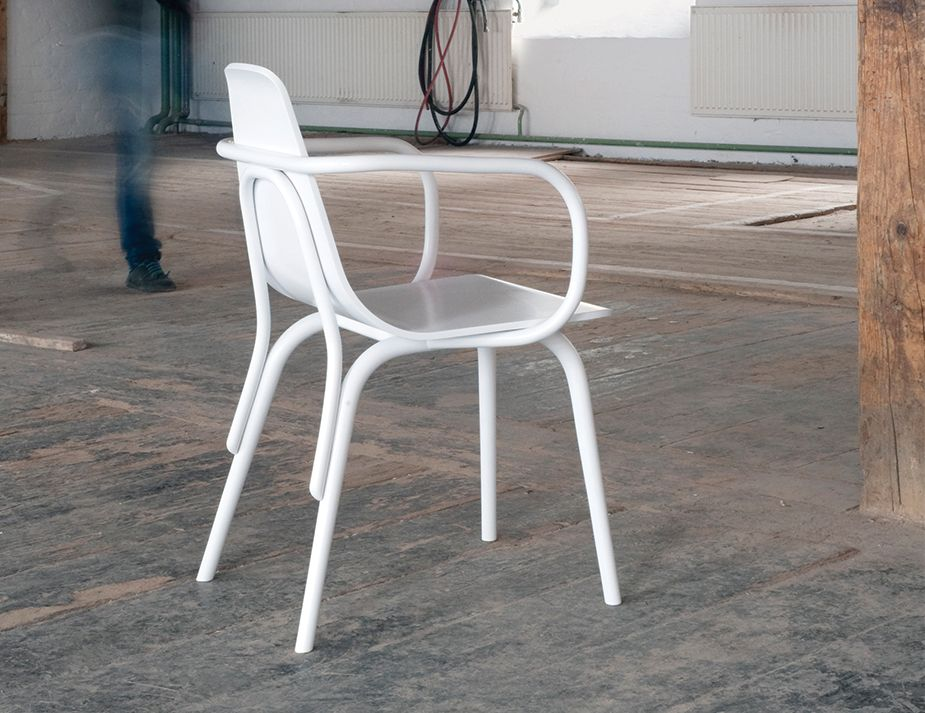 White Tram Armchair Unreal