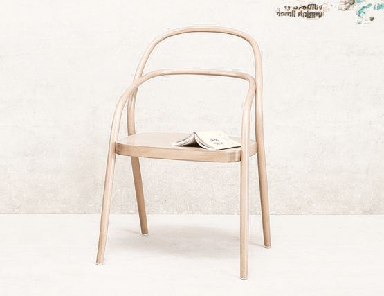 Ton_002_Natural_Dining_chair