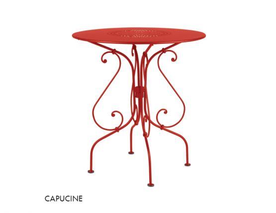 1900 67 Table Capucine