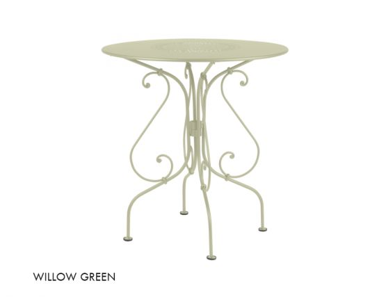 1900 67 Table Willow Green
