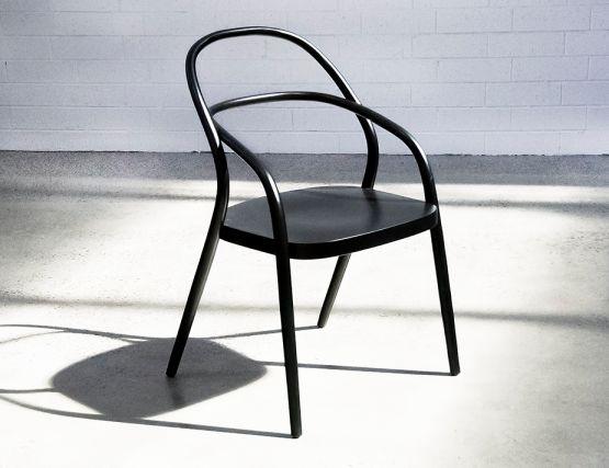 002_Chair